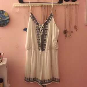Embroidered White & Blue Romper EUC